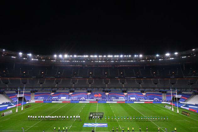 Les joueurs du XV du France et de l'Irlande dans le stade de France vide avant leur match du Tournoi...