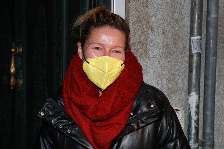Anne Igartiburu por las calles de Madrid en diciembre de 2020.