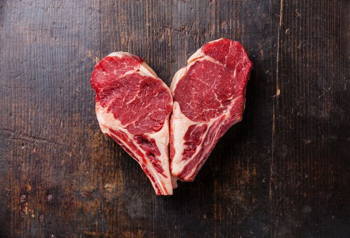 It's advised to limit red meat consumption to 3 ounces a day, for a total of 21 ounces per week.