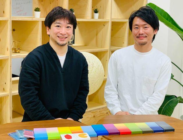 マザーハウスの山崎大祐副社長と、小田靖之さん