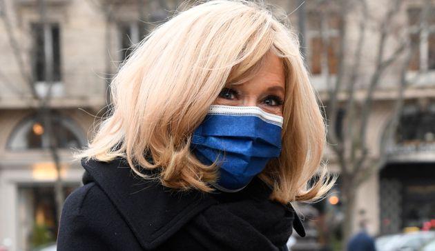 Brigitte Macron, ici au mois de janvier 2021, a critiqué le temps passé par les adolescents...
