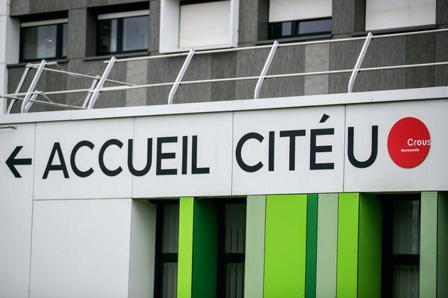 Les restos U (ici un Crous à Caen, en Normandie) rouvrent progressivement depuis une