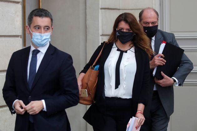 Gérald Darmanin, Marlène Schiappa et Éric Dupond-Moretti photographiés au...