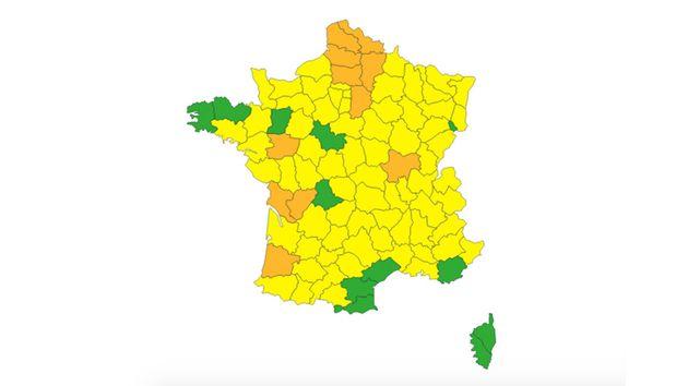 Météo France a placé 11 départements en vigilance orange, du fait du risque de crues et d'un épisode...