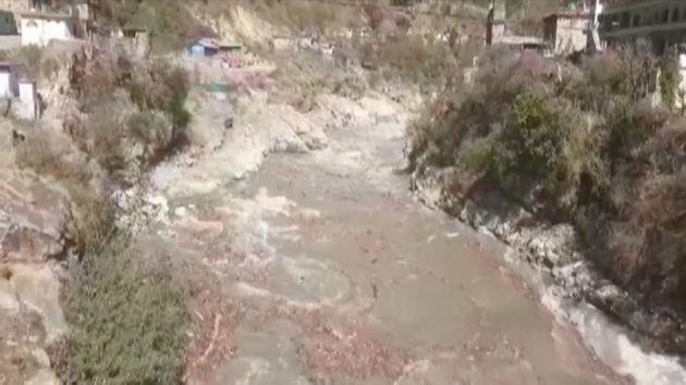 Ινδία: Κατάρρευση παγετώνα στα Ιμαλάια, φόβοι για εκατοντάδες