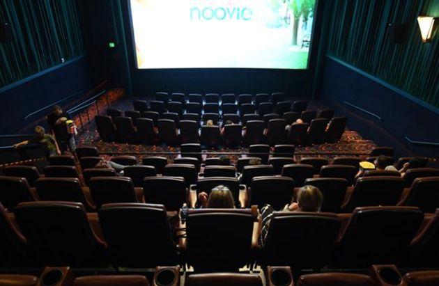 Aucune date de réouverture des cinémas et des lieux culturels n'a été