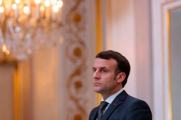 Emmanuel Macron se félicite d'avoir dépassé l'objectif sur les émissions...