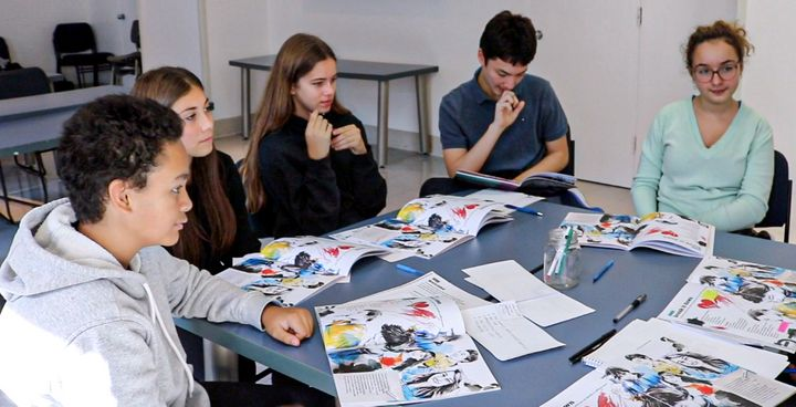 Des jeunes assistent à un atelier PréVenture. Certains services basés sur la recherche ouvrent la voie à des réformes en s'appuyant sur des jeunes pour développer et promouvoir une approche plus holistique des problèmes de santé mentale.