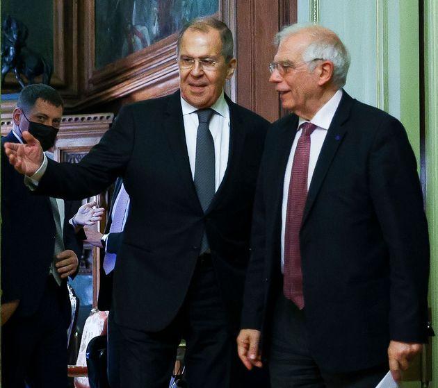 «Η Ρωσία αποσυνδέεται από την Ευρώπη», λέει ο Μπορέλ και ζητά να εξεταστεί η επιβολή