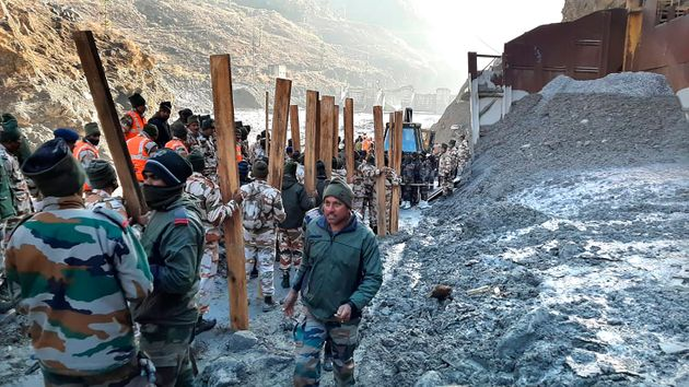 Τραγωδία στην Ινδία μετά από κατάρρευση