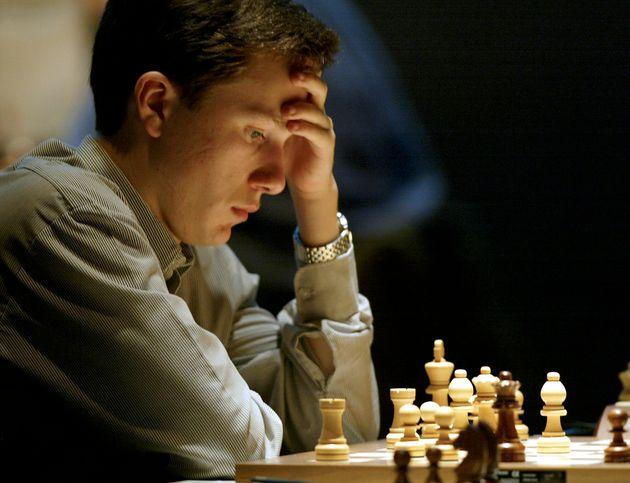 Γιατί ο κορυφαίος σκακιστής Αρκάντι Νάιντιτς, μετακόμισε στη Θεσσαλονίκη εν μέσω