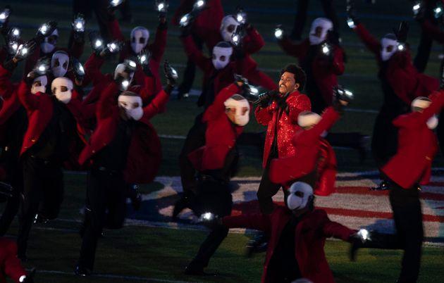Η εμφάνιση του The Weeknd στο Super Bowl και τα 7 εκατ. που έβαλε από την τσέπη