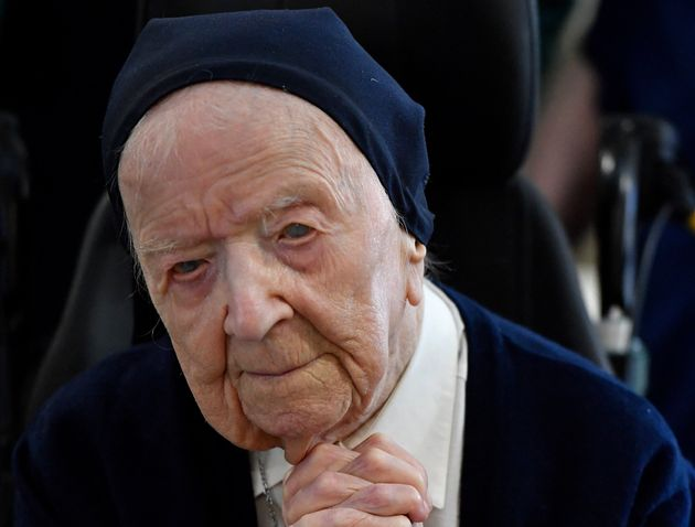 Sœur André, Lucille Randon de son nom de naissance, lors de son 116e anniversaire dans son...