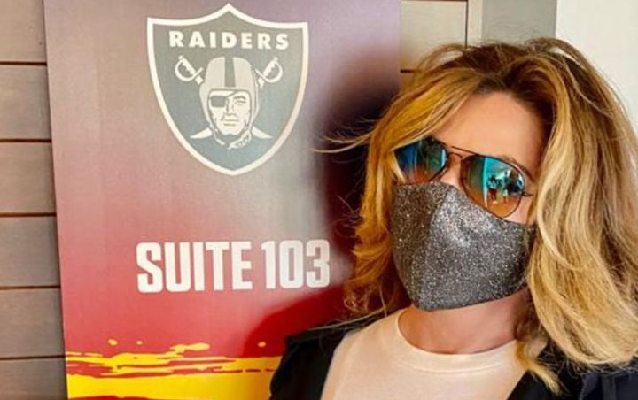 Shania Twain watched Super Bowl LV from the Las Vegas Raiders suite at Raymond James Stadium in Tampa Bay, Fl. on Feb. 7, 2021.