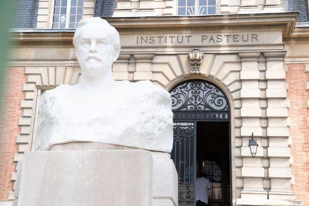 L'Institut Pasteur à Paris, l'un des principaux centres français de la recherche scientifique,...