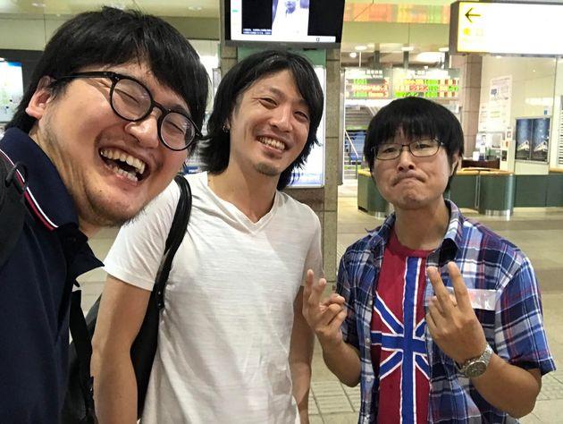左から小林洋介監督、針谷大吾監督、香川県で素材撮影をした宮川鉄平さん