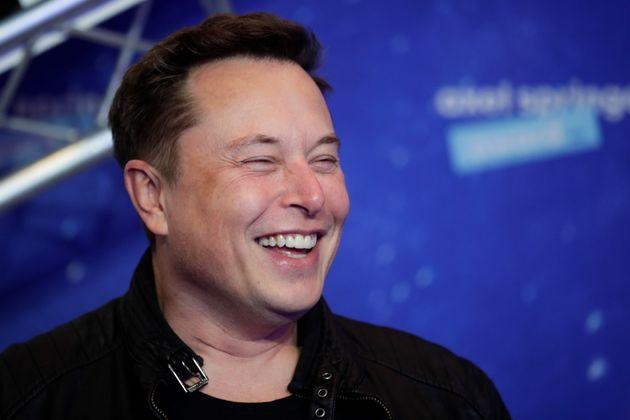 Musk ofrece 100 millones de dólares por la idea que salve al