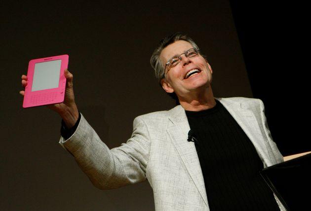 Ο Στίβεν Κινγκ έκανε δωρεά σε μαθητές δημοτικού για να εκδώσουν τα δικά τους