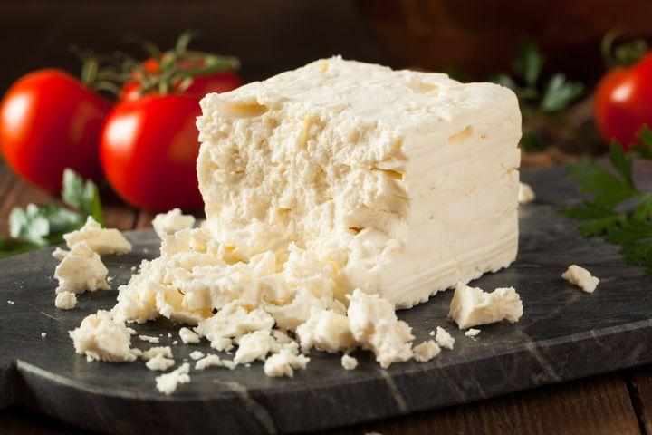 Raw Organic White Feta Cheese for Crumbling