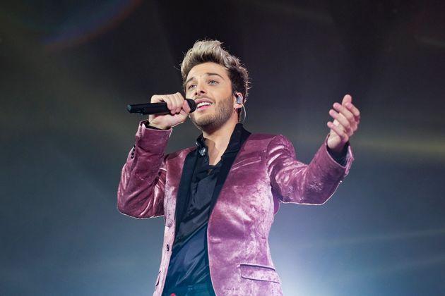 El cantante Blas Cantó en un concierto de Cadena