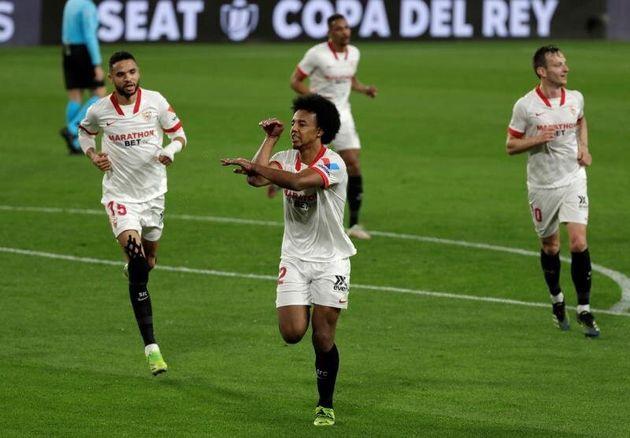 El Sevilla deja al Barça contra las cuerdas (2-0) en la ida de semifinales de la