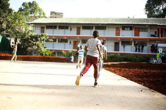 La prima Scuola Internazionale per bambini profughi e