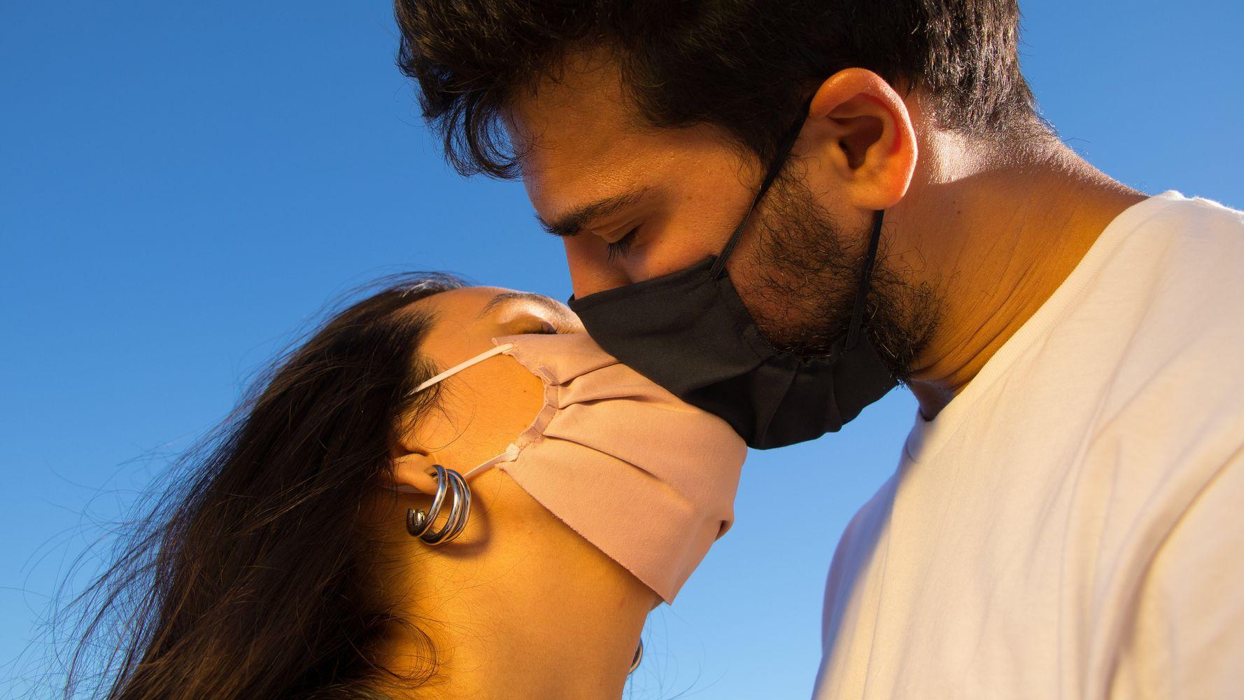 Saint-Valentin: le couvre-feu a changé les règles de la vie amoureuse, la preuve