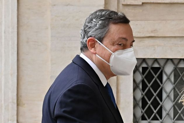 Former head of the BCE (European Central Bank) Mario Draghi looks on as he arrives at the Quirinal palace,...