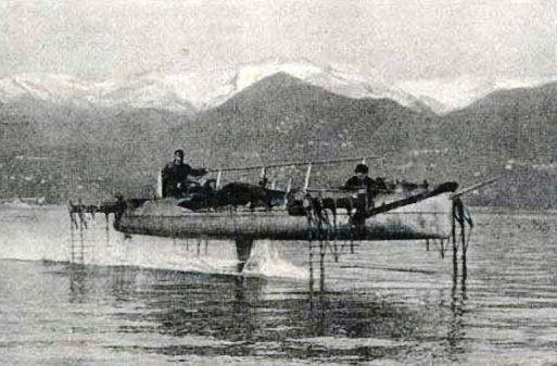 Uno degli idroplani di Forlanini sul Lago Maggiore, 1910
