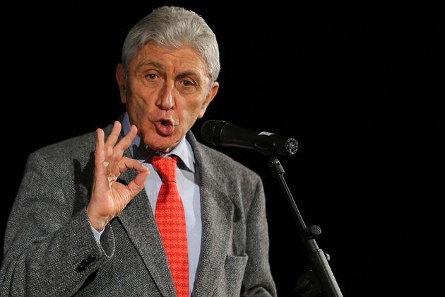 Antonio Bassolino annuncia la candidatura a sindaco di