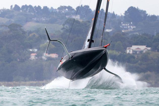 Coppa America: Luna Rossa torna ad allenarsi inseguendo la velocissima New Zealand