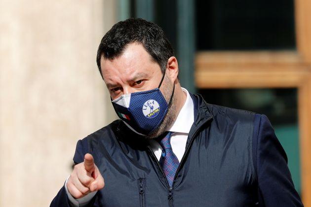 Salvini contro Ricciardi: