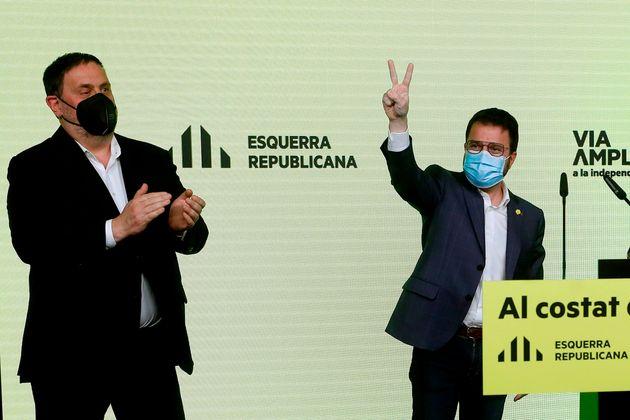 Oriol Junqueras celebra junto a Pere Aragones los