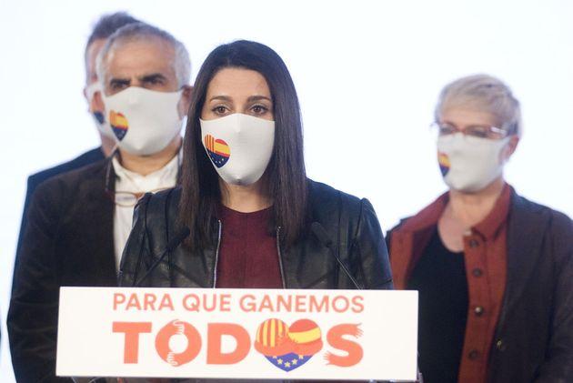 La presidenta de Cs, Inés Arrimadas, comentando los resultados de las elecciones autonómicas catalanas...