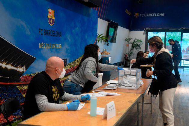In Catalogna si conferma l'indipendentismo, ai Socialisti una via