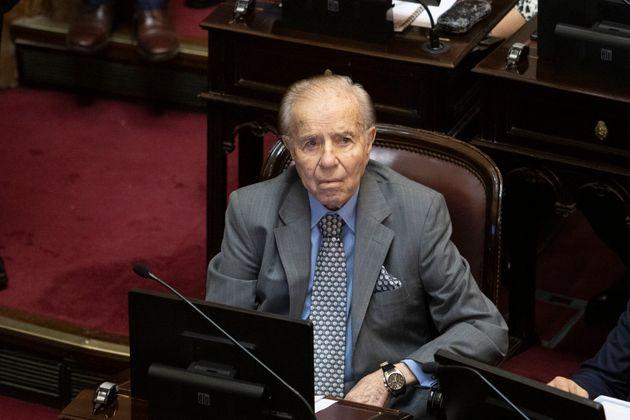 Se ne va Menem, il presidente che portò l'Argentina a povertà e