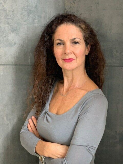 Photo of Joanna Gualtieri.
