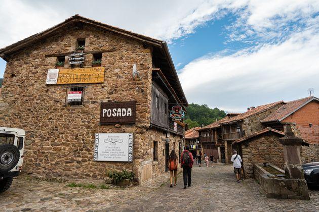 Bárcena Mayor, en el valle de Cabuérniga (Cantabria), en una imagen de