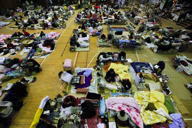 宮城県石巻市の避難所=2011年3月25日