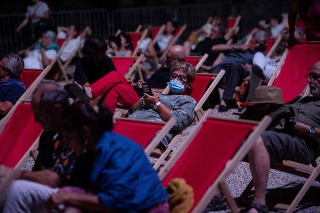 Le festival d'Avignon, en plein air, le 18 juillet