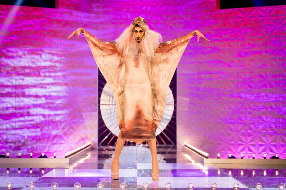 Tia Kofi delivers her final runway of the