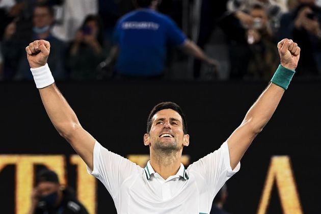 Novak Djokovic celebra su victoria contra Daniil