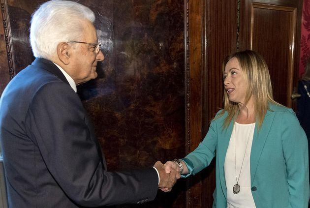 Il presidente della Repubblica Sergio Mattarella e la leader di Fdi Giorgia