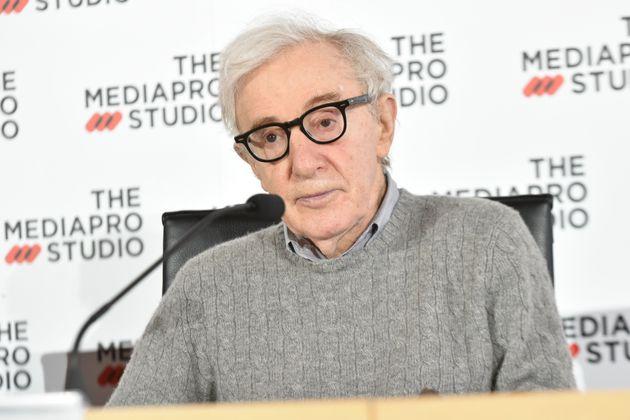 Le réalisateur Woody Allen lors du tournage d'un film à San Sebastian en Espagne, le 9 juillet