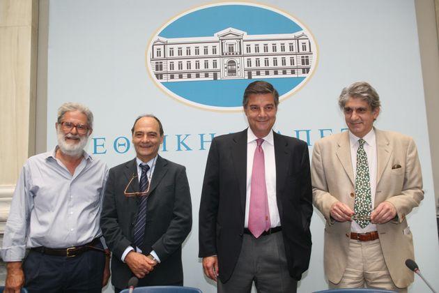Φωτογραφία αρχείου 2007 - Συνέντευξη Τύπου για την ενσωμάτωση του Ελληνικού Λογοτεχνικού Λογοτεχνικού...