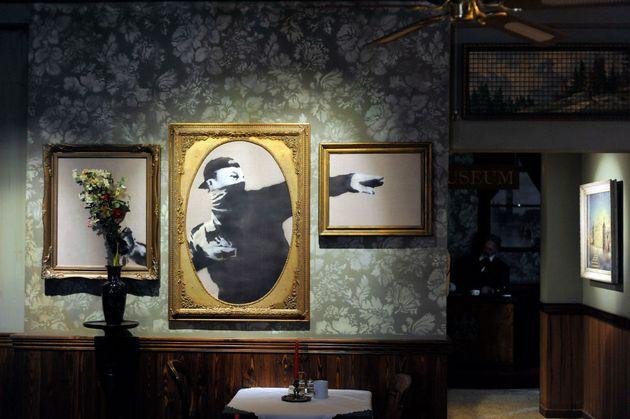 Interior del hotel 'The Walled Off' de Banksy en Belén, donde se reproduce el famoso
