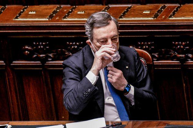 Tra aperturisti e rigoristi |  Draghi decide venerdì