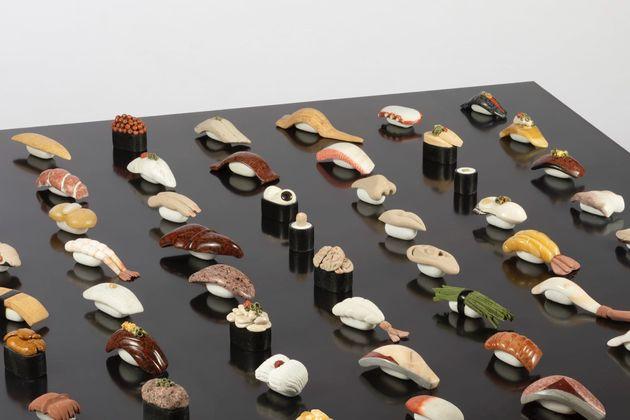 石で作った「寿司」