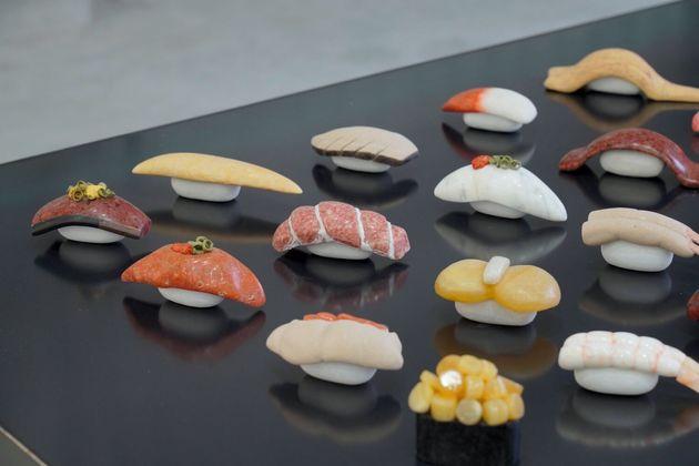 全て石で作られた「寿司」