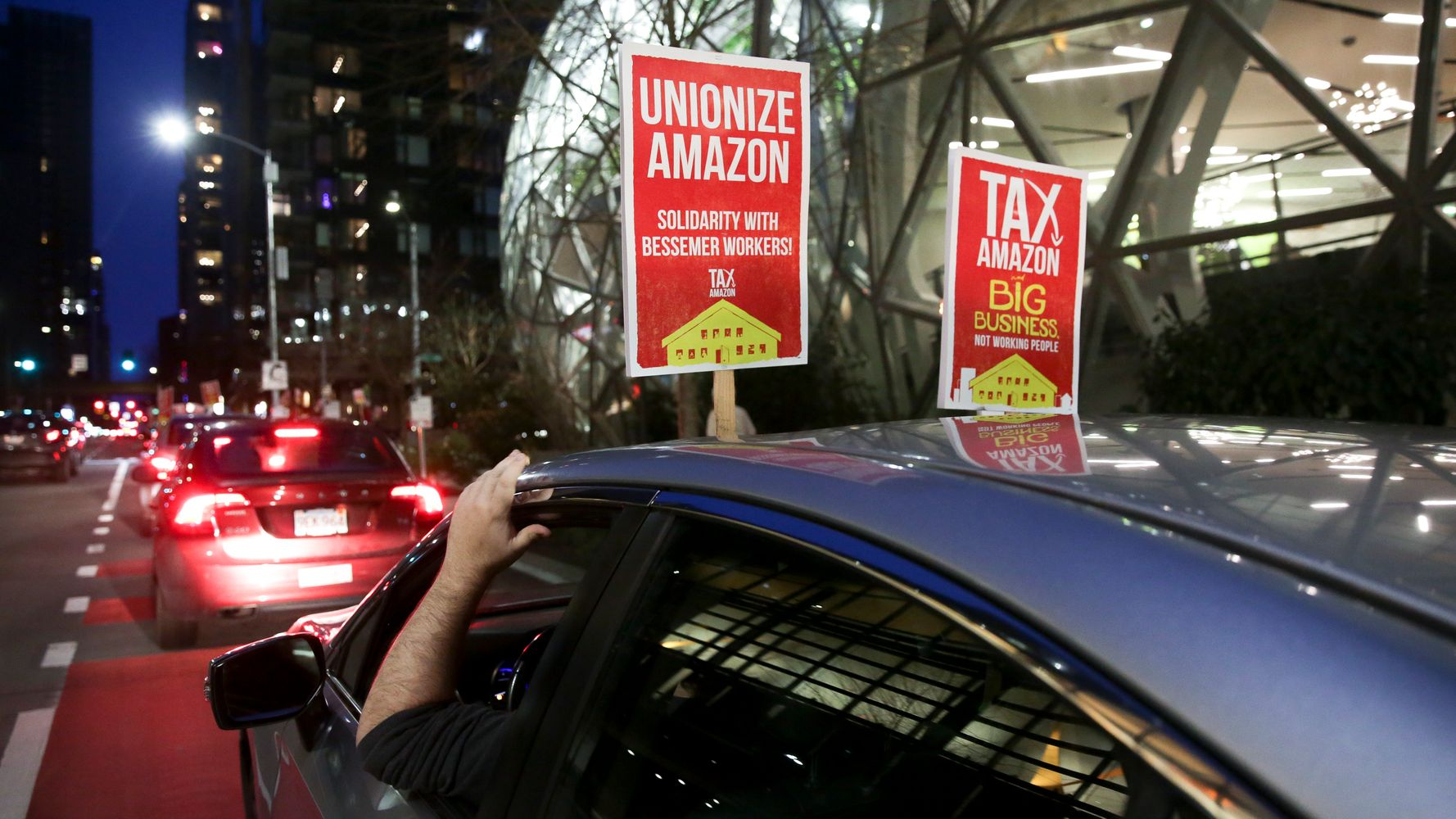 www.huffpost.com: Amazon Workers' Fight To Unionize Draws Help From Around The World